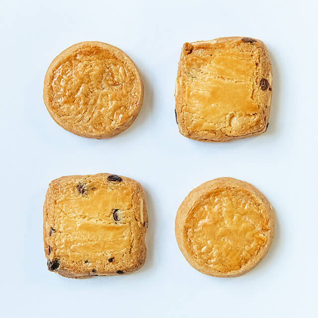 ベリースイーツの焼菓子有塩バターのクッキーとヘーゼルショコラ